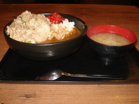 sutadonya-stamina-curry9.jpg